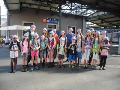 Die RomanshornerInnen am Bahnhof